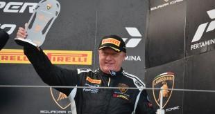 Konôpka na pódiu Lamborghini Super Trofeo na Nürburgringu