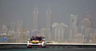 Motorové problémy Maťa Homolu v Dubaji